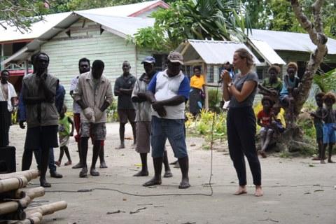Foto: Susann Adloff in Bougainville, Papua-Neuguinea.